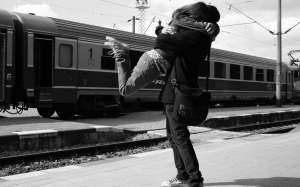 train-station-couple-1280x800