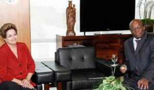 A presidente se reúne com o presidente do STF, Joaquim Barbosa, em Brasília. Foto: Agência Brasil